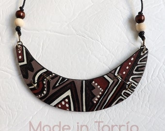 Wooden necklace: Africa