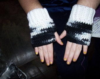 Hand Crocheted Fingerless Gloves In Varigated Black And White