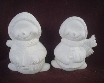 """2 Ceramic Bisque 5.75"""" Snowman Pair with Coats & Scarves Figurines - Unpainted Ready to Paint - E604"""