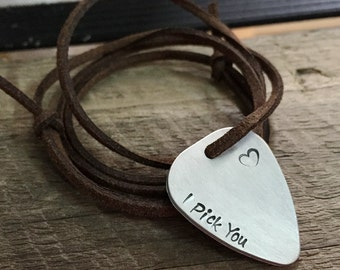 Guitar pick necklace, Personalized guitar pick necklace, Guitar pick jewelry for Men'S accessories, Men's Necklace guitar pick for Boyfriend