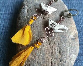 Earrings dangling bird ceramic and yellow silk fabrics