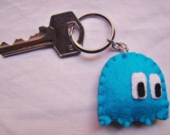 Felt blue Pac-man ghost keychain -  Pacman videogame ghost keychain