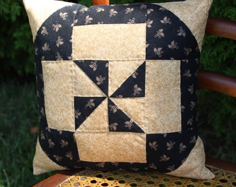 Pinwheel Pillow - Primitive Pinwheel Point Pillow - #QP-002