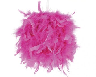 Box decorative pom-poms pink feathers