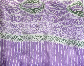 Purple and white silk scarf with a little green ref.49