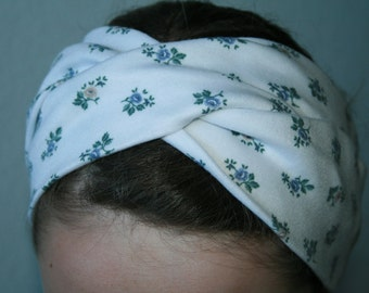 Headband turban, workout headband, turban twist, head wrap, boho headband, turband. Blue flowers with white background