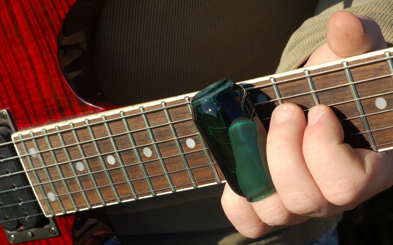 guitar slide hand blown lake green glass guitar slide. Black Bedroom Furniture Sets. Home Design Ideas