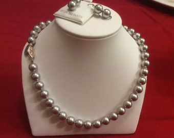 """Gray Pearls 20"""" necklace"""