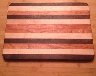 Wooden Cutting Board - Walnut / Cherry / Maple : Kaye