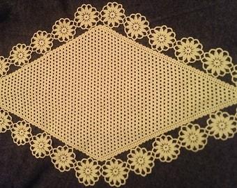 Romanian crochet table cloth