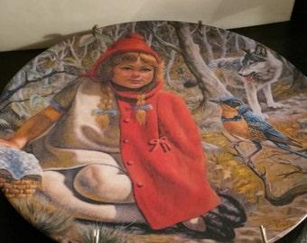 Little Red Riding Hood Plate mint