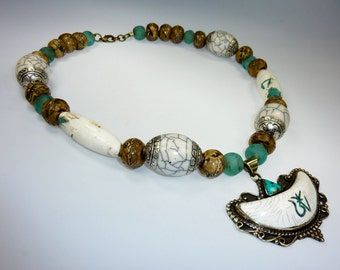 Big Exotic Necklace with Conch II