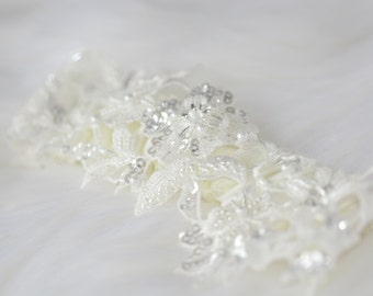 Luxury Garter, Wedding Garter, Bridal Garter, Ivory Lace Garter, Sequin Garter,  Pearl Garter, Wedding gift, Flower Garter. Style: Venus
