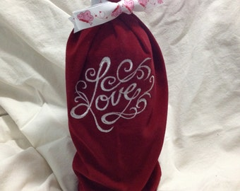 The perfect wine becomes an exquisite gift with an EM winebag!