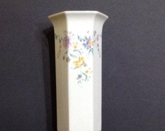 Royal  Winton, Fine Ceramic Vase. Made in Staffordshire, England