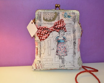 Bag fabric with printed motifs sewing and nozzle closure