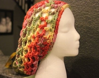 This is a beautiful, slouchy and chunky beanie that really looks great on anyone!