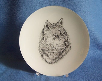 Hand Engraved Wolf Plate