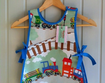 Boys painting apron ...wipe clean tabard style apron for messy play times.