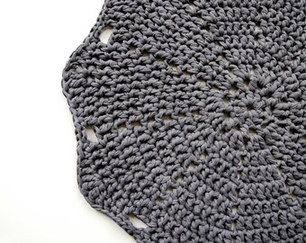 Doily Crochet Rug LUULO / Boho Area Rag / Chunky Crocheted Carpet / Shabby Chic / Cottage Style - Anthracite Gray