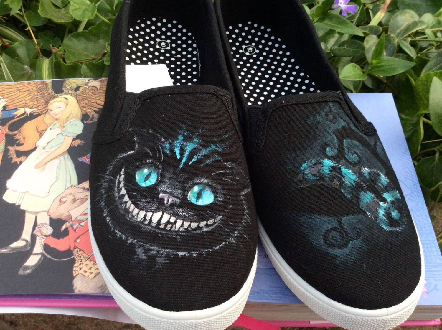 cheshire cat custom hand painted shoes men 39 s. Black Bedroom Furniture Sets. Home Design Ideas