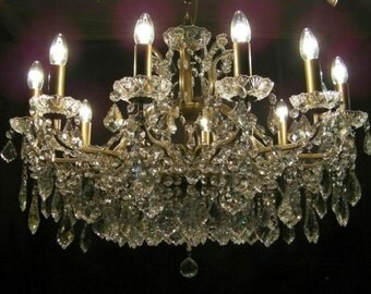 ABSOLUTELY STUNNING ~ 3-Foot Wide Crystal Chandelier