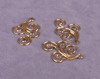 Metal Gold/Brass Vintage Swirl Pendants  - 5 Pairs (MJ31GOP-10)