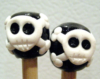 SKULL and crossbones bamboo knitting needles Free US SHIPPING black white skeleton pirate single point u pick the size and length