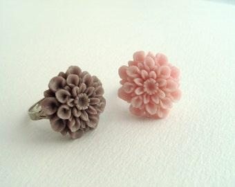 Adjustable Flower Rings - Grey, Pale Pink