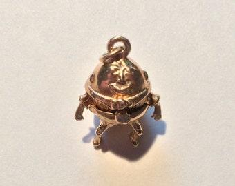 Vintage 14k gold charm Humpty Dumpty opens