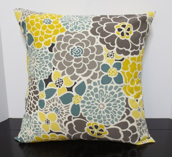 Trendy Blooms decorative throw pillow cover Accent cushion