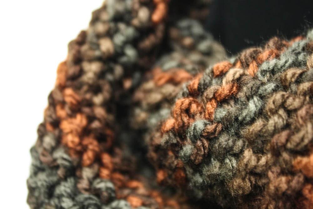 Knitting Items To Sell : Enchanting cowl knitting pattern warm bulky