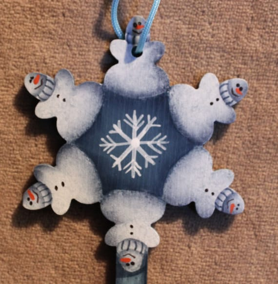 Snowflake shaped key wooden christmas ornament with snowmen