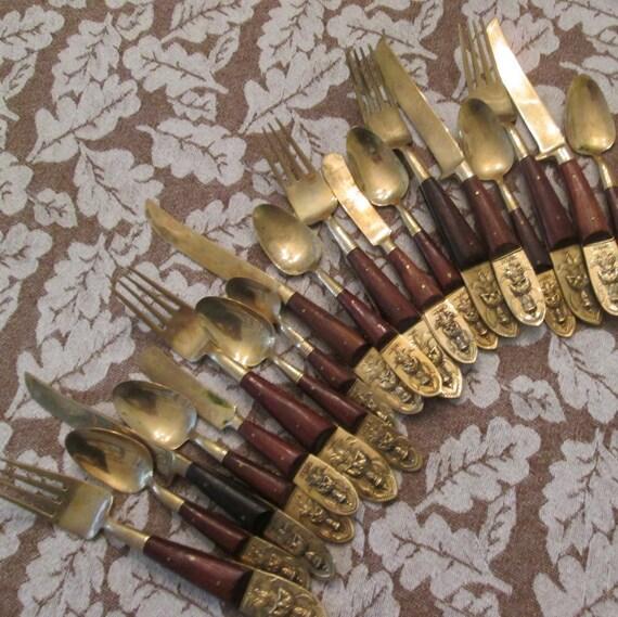 Vintage siam thailand flatware nineteen pieces by simplysuzula - Thailand silverware ...
