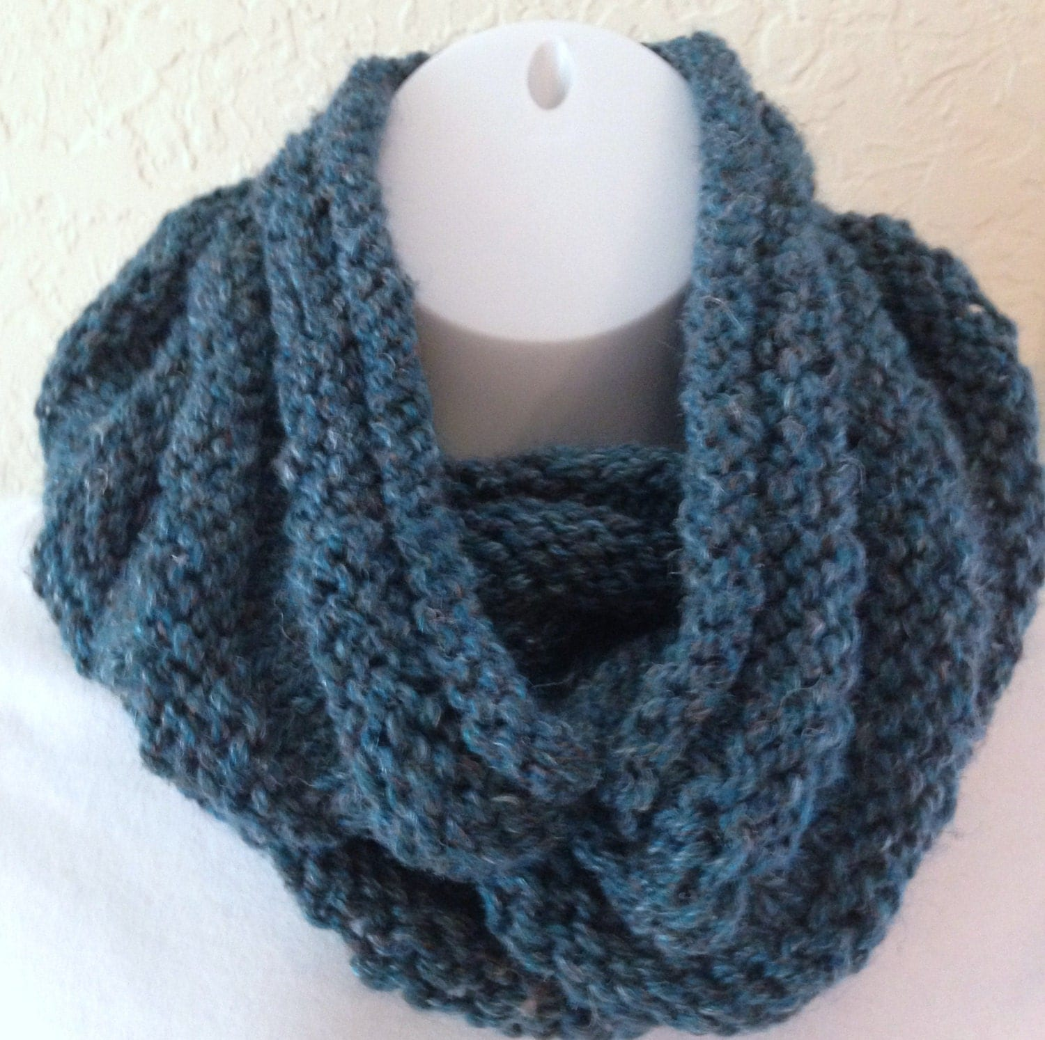 Knit Scarf Pattern With Bulky Yarn : Hand Knit Infinity Scarf Bulky Cowl Teal Tweed Acrylic