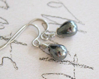 Dots - gunmetal briolette drop earrings