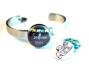 New Mom Gift, Personalized Mother Bracelet, Adjusts to Fit All, Customized with Child's Name and Birthday, Magnetic, 3 Interchangeable Lids