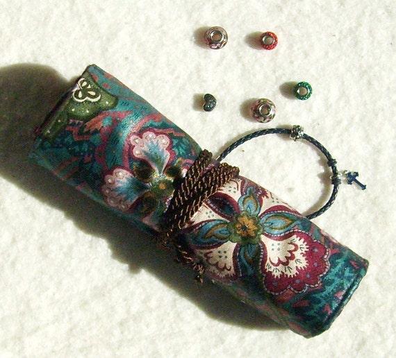 Pandora Jewelry Roll: Anti Tarnish Pandora-style Jewelry Roll In Maroon And By