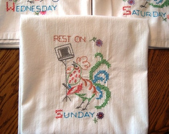 Days of the Week dish towels, flour sack towels, Roosters, set of 7, machine embroidery