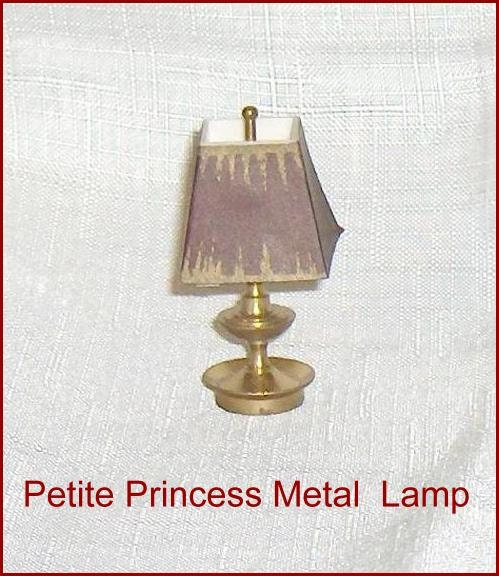 Ideal Petite Princess Metal Table Lamp and Plastic Shade Dollhouse Furniture  -> Petite Table Plastique