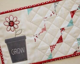 Flower Mini Quilt- Download Pattern