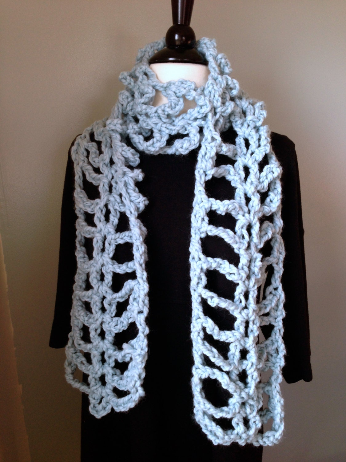 Crochet Scarf Pattern Super fun quick and easy by Stolenhook