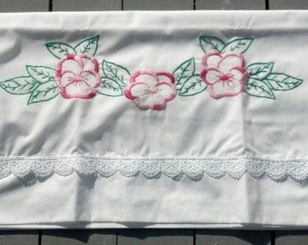 Sew Pretty Pillowcases - Pink Pansies- Set of 2