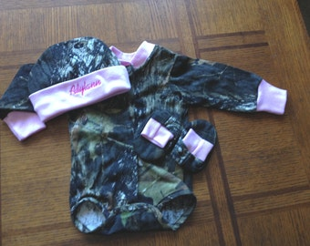 Personalized Girls Mossy Oak Camo Camouflage Pink Trim 3PC Long sleeves Creeper onesie Baby Infant Newborn Set Coming Home outfit
