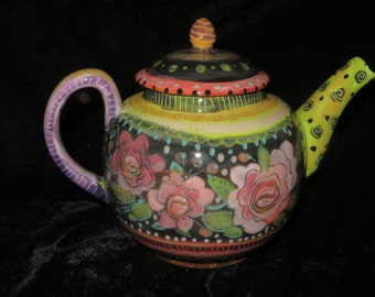 Gorgeous Roses On Charming Teapot
