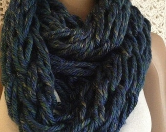 Cowl Handmade Chunky Shades of Blue