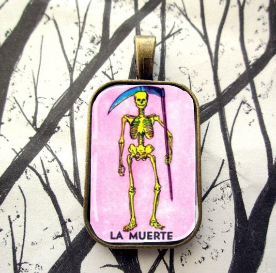 Loteria mexicana esqueleto La Muerte Dia de Los Muertos cristal colgante, collar de azulejo