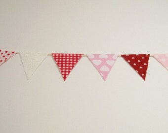 Valentine Bunting Red White Pink 1:12 Dollhouse Miniatures Scale Artisan