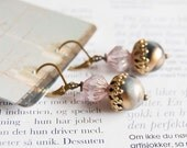 Dashing Dawn - earrings with vintage beads