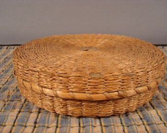 Beautiful early sweet grass and black ash authentic native American basket with cover- sewing basket